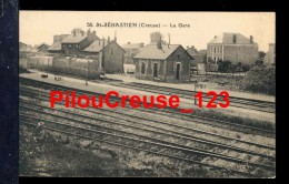 """23 Creuse - ST SAINT SEBASTIEN - """" La Gare - Train à Quai """" - Autres Communes"""