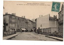 C P A------42-------BOURG-ARGENTAL--le Centre.le Vieux Presbytère Et Le Bureau De Poste----voir 2 Scans - Bourg Argental