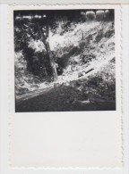GUINEE - AUTOMOBILE ANCIENNE - 2 CV - En Descendant De Mali à Youkounkoun - 1956 - Format 5.5X5.5cm - Automobiles