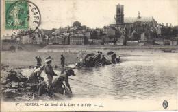 NEVERS    LES LAVANDIERES AU BORD DE LA LOIRE - Nevers