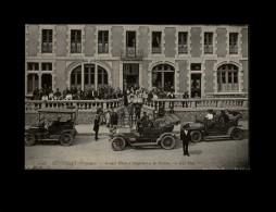 29 - HUELGOAT - Hôtel D´Angleterre - Voitures - Tacots - Huelgoat