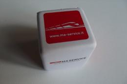 Alt558 Gadget Servizi Alle Ferrovie, Railway Services, Train, Treno, Cubo In Gomma - Ferrovie