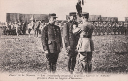 FRONT DE LA SOMME Les Lieutenants-aviateurs Français Garros Et Marchal Promus Dans La Légion D'honneur - Militari
