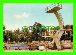 ZAWIERCIE, POLOGNE - BASEN PLYWACKI - TRAVEL IN 1970 - - Pologne