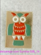 Animals: Eagle-owl - National Park - Forest / Old Soviet Badge_035_an6621 - Animals