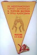"W146 / SPORT Championship "" WLADYSLAWA MAKSYMIAKA "" 1976 Wrestling Lutte Ringen 18.5 X 27 Cm Wimpel Fanion Flag  POLAND - Lucha"