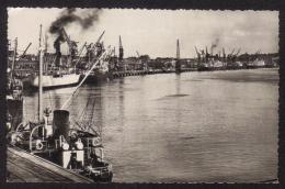 CPSM Pf .Dépt .33. Cargos Au Port De BORDEAUX . LA RADE. - Commerce