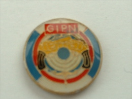 PIN´S POLICE - G.I.P.N - PETIT CERCLE - Police