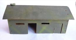 ELEMENT DE CASERNE - BATIMENT PLASTICOBOIS DEPREUX BOISLUX - Manque 1 porte