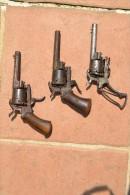 1 Lot De Petits Broches - Sammlerwaffen