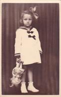 LITTLE GIRL`S PORTRAIT, ORIGINAL VINTAGE, POSTCARD - Portraits