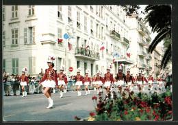 CPA Nice, Defile De Majorettes Sur La Promenade Des Anglais - Nizza