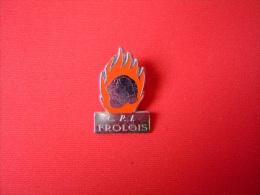 PIN'S SAPEURS POMPIERS / FROLOIS / 54 MEURTHE ET MOSELLE - Pompiers
