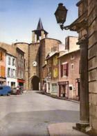 Parthenay.. Animée.. La Porte De L'Horloge.. Commerces.. Café Du Palais.. Café De L'Horloge.. Boulangerie .. Voitures - Parthenay