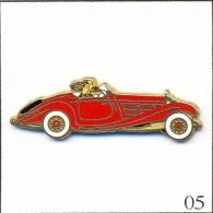 Pin´s - Automobile - Mercedes 500 K Roadster - Rouge Vif-Parebrise Blanc. Est. Arthus Bertrand Paris. Zamac. T191-05 - Mercedes