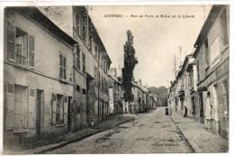 95. Louvres. Rue De Paris Et Arbre De La Liberté - Louvres