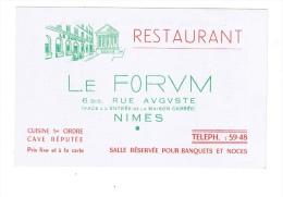 """NÎMES  -  Restaurant   """"LE FORUM""""  -  Carte De Visite  -  Au Dos Tableau Des Distances Kilométriques - Visiting Cards"""