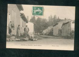 Villers En Argonne (51) - Rue Du Chateau ( Animée Ed. Robat ) - France