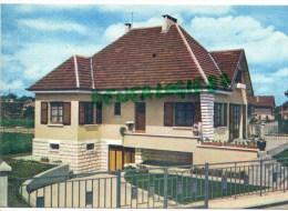 77 - COMBS LA VILLE - MAISON DE LA FAMILLE COUDERT - MAISON GAGNEE GRACE AU JOURNAL LE PARISIEN - Combs La Ville
