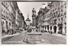 SUISSE - Berne : Kramgasse Simson Brunnen - CPSM Dentelée Noir Et Blanc PF - - BE Bern