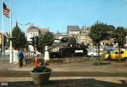 < Automobile Auto Voiture Car >> Daf 33, Renault 4L Touring Secours, Char, Bastogne - Passenger Cars