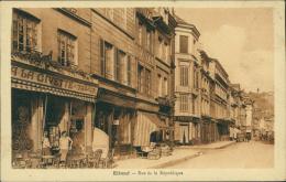 76  ELBEUF / Rue De La République / - Elbeuf