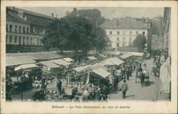 76  ELBEUF / La Place Saint Louis Un Jour De Marché  / - Elbeuf