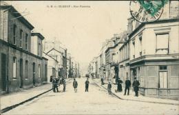 76  ELBEUF / Rue Poussin / - Elbeuf