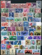 Australie      Collection De Timbres **  Entre 1957 Et 1989  Plus De 950 € De Cote (10 Scans) - Sammlungen (ohne Album)