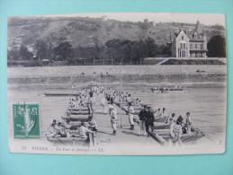 CPA Vienne (38) - Un Pont De Bâteaux - Militaires - 1915 - Vienne