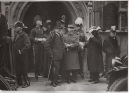 RARE  Photo Par MEURISSE Du Général GOURAUD Devant Le Temple Anglican Rue D´Aguesseau  Vers 1925 Format  18x13 - Guerre, Militaire