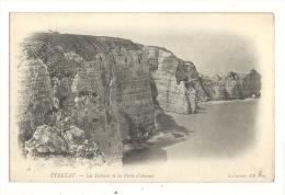 Cp, 76, Etretat, Les Falaises Et La Porte D'Amont - Etretat