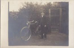 Photographie - Carte-Photo -  Gar�on - V�lo - Cycliste