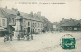 76 FORGES LES EAUX / Une Partie De La Place Brevière / - Forges Les Eaux
