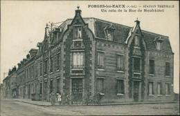 76 FORGES LES EAUX / La Station Thermale, Une Coin De La Rue De Neufchâtel / - Forges Les Eaux