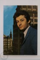 Original & Rare 1960s Postcard - George Chakiris - Printed In Spain - Actores