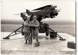 FOTOGRAFIA - MILITARI CON LANCIAMISSILI - Formato Cm. 10,5 X 7,5 Circa - Guerre, Militaire