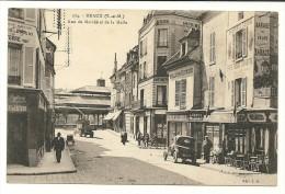 MEAUX Dpt77 Rue Du Marché Et De La Halle N°174 Animée Commerces Vehicules - Meaux