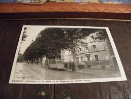 A151.CPA..43..HAUTE LOIRE...BRIOUDE..La Poste Et Le Boulevard Du Docteur DEVINS.....rare Beau Plan Animé...non Ecrite - Brioude