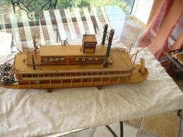 MAQUETTE DE BATEAU A AUBE DU MISSISSIPI - Boats
