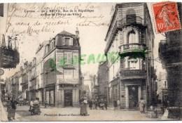 19 - BRIVE - RUE DE LA REPUBLIQUE ET RUE DE L' HOTEL DE VILLE - PHARMACIE - Brive La Gaillarde