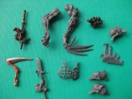 Figurines En Plastique: Warharmmer Accessoires Non Complet  Echelle 30 Mm  & - Warhammer