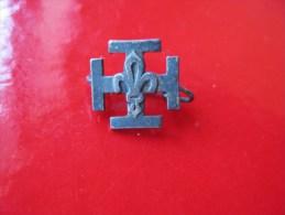 épinglette Scoutisme  & - Associations