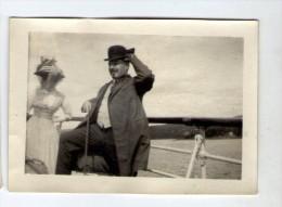photographie , 9 x 6 cm , couple sur un bateau