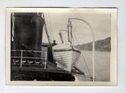 photographie , 9 x 6 cm , homme sur un bateau