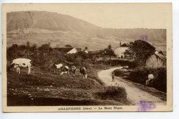 Aiglepierre (Jura) Le Mont Bégon (photo Combier) Village Troupeau Vaches Animée - Otros Municipios