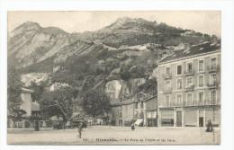 38 - Grenoble -Le Pont De La Porte De France - Les Forts  243 - Place Animée-  Bazar Ambulant - Grenoble