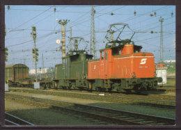 Elektro Verschiebelokomotiven 1067.023 + 1067.04 Der Österreichischen Bundesbahn , Vor Güterzug Im Fbf, Salzburg-Gnigl - Eisenbahnen