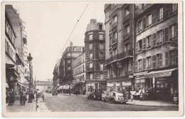Paris. Rue Lecourbe. Belle CPSM Petit Format,Belle Animation: Traction Citroën, Tacot, Passants... Peu Courante. - Distrito: 15