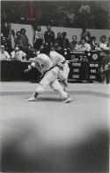 Ref A812- Arts Martiaux -judo -photo Souple Non Située- Rencontre Internationale Ou Nationale ??- Photo Bon Etat  - - Martiaux